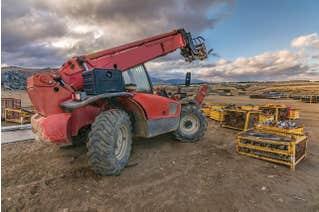 Advanced Rough Terrain Forklift for Construction